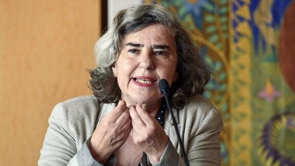 Schriftstellerin Barbara Honigmann während der Pressekonferenz zur Uraufführung der Oper Charlotte Salomon in der Kulisse im Festspielhaus in Salzburg.