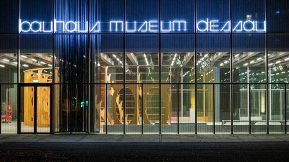 Lichter im Bauhaus Museum Dessau