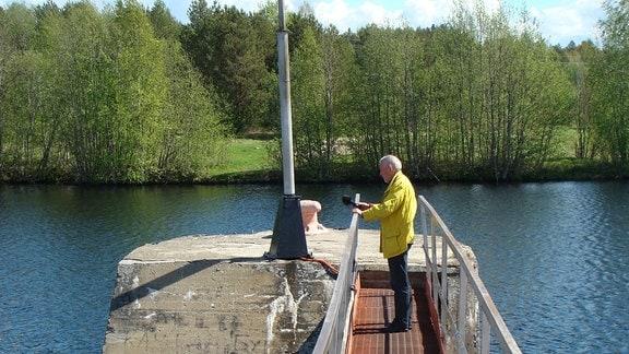 Autor Günter Kotte auf dem Belomorkanal nahe der 2. Schleuse