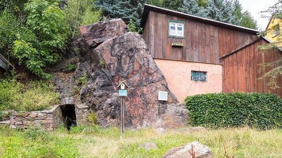 Altes Mundloch von 1451 am Zechenplatz in Oberschlema