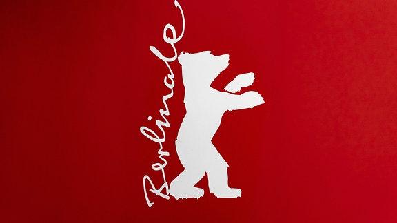 Das weiße Logo der Berlinale auf rotem Hintergrund.