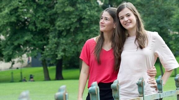 Anne und Thea Baumbach