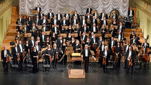 Das Philharmonische Orchester Altenburg-Gera unter Leitung seines Generalmusikdirektors Laurent Wagner im Konzertsaal der Bühnen der Stadt Gera
