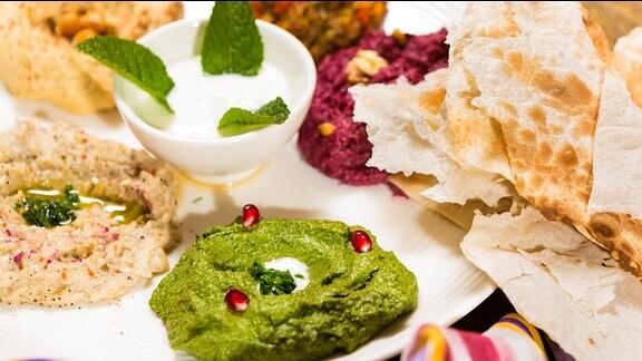 Humus - arabische Spezialität in verschiedenen Variationen.