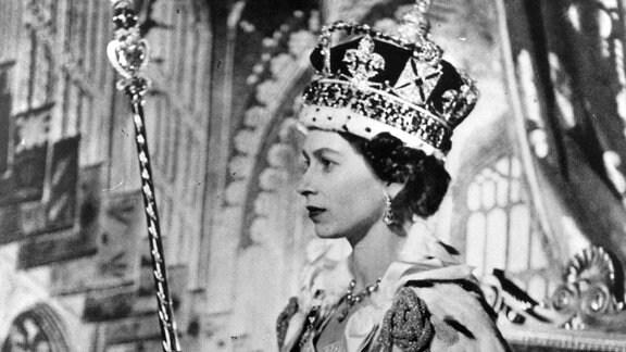 Queen Elisabeth bei ihrer Krönung am 02.06.1953.