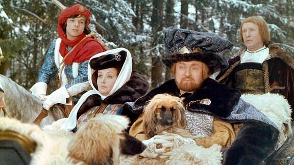 Rolf Hoppe als König in Drei Haselnüsse für Aschenbrödel