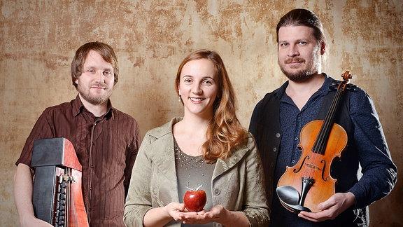 Die Band Bube Dame König: Till Uhlmann, Juliane Weinelt, Jan Oelmann
