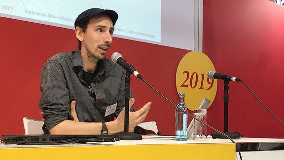 Fotograf Jan Schenck auf der Leipziger Buchmesse.