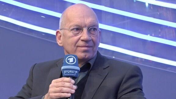 Jürgen Neffe spricht über sein Buch 'Marx. Der Unvollendete' auf der Leipziger Buchmesse.