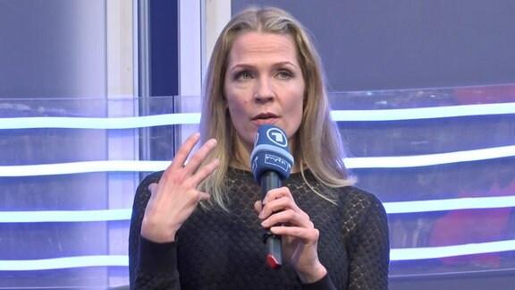 Åsne Seierstad spricht über ihr Buch 'Einer von uns' auf der Leipziger Buchmesse.