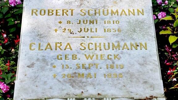 Grab von Robert und Clara Schumann