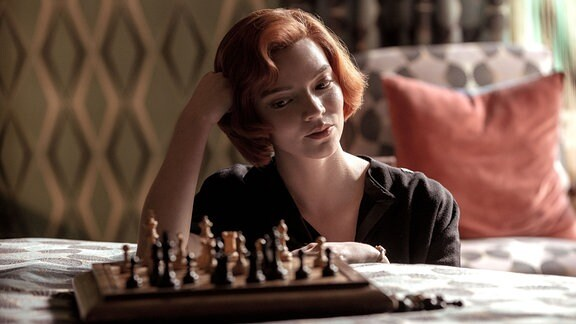 Szenenbild aus der Serie Das Damengambit
