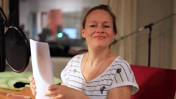 """Anja Schneider, Aufgenommen bei der Produktion des Hörspiels """"Die Entgiftung des Mannes"""" im MDR-Studio Halle, Regie: Stefan Kanis"""