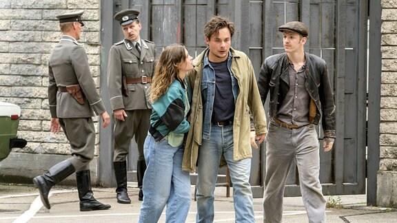 Franka (Janina Fautz), Stefan (Ferdinand Lehmann), Daks (Timur Bartels)