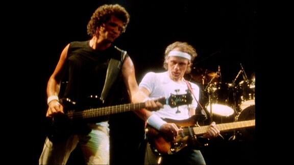 Dire Straits im Konzert im Londoner Hammersmith Odeon, 1983