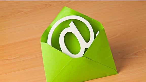 @-Zeichen in einem Briefumschlag