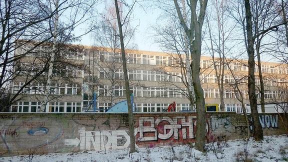 Grundschule in Leipzigs Süden, die als Flüchtlingsunterkunft diente.
