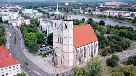 Die Johanniskirche in Magdeburg von außen