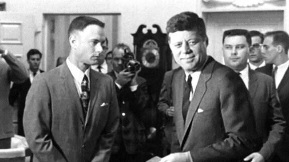 Tom Hanks und John F. Kennedy am Set von Forrest Gump.