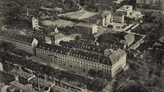 Halle Saale, Fliegeraufnahme mit Blick auf Franckesche Stiftungen, ca. 1935