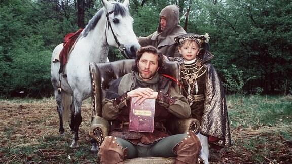 Rufus Beck als Ganove und Friedrich Lindner als Friedrich, 1996