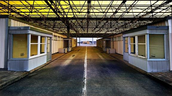 Abfertigungsbaracken für PKW am ehemaligen Grenzübergang Helmstedt/Marienborn