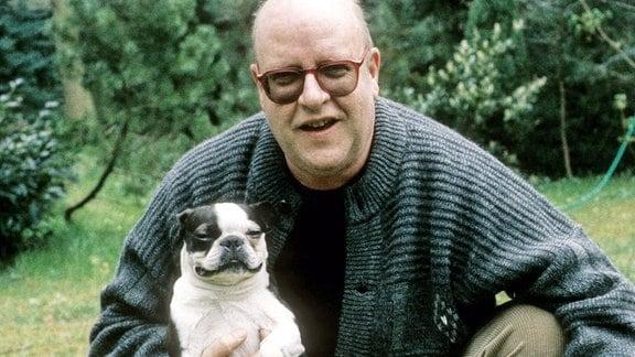 Gert Haucke mit seinen Hunden.