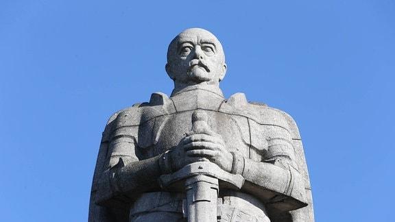 Denkmal fuer den Reichkanzler Otto von Bismarck in Hamburg