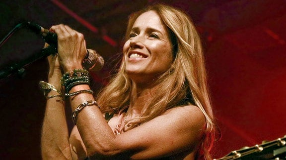 Die Sängerin Heather Nova bei einem Konzert in Berlin.
