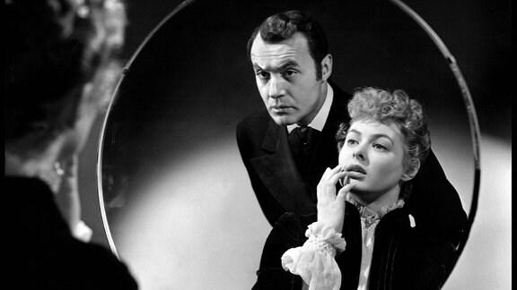 Filmszene aus Das Haus der Lady Alquist, mit Ingrid Bergman