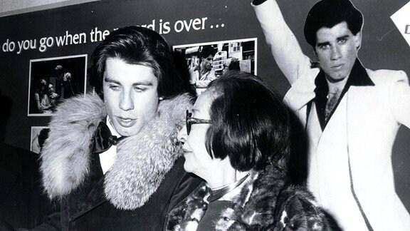 John Travolta mit Mutter Helen in New York City, 1978