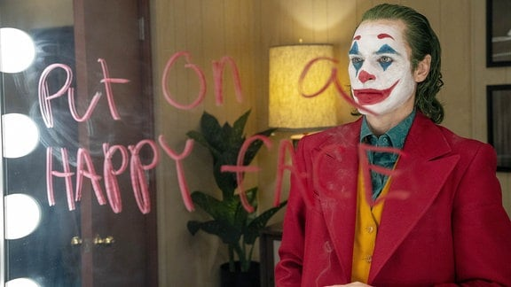 "JOAQUIN PHOENIX als Arthur Fleck in Warner Bros. Pictures, Village Roadshow Pictures und BRON Creative's ""JOKER,"""