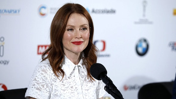 Julianne Moore beim Photocall und der Pressekonferenz zu «After the Wedding» auf dem 54. Internationalen Filmfestival Karlovy Vary.