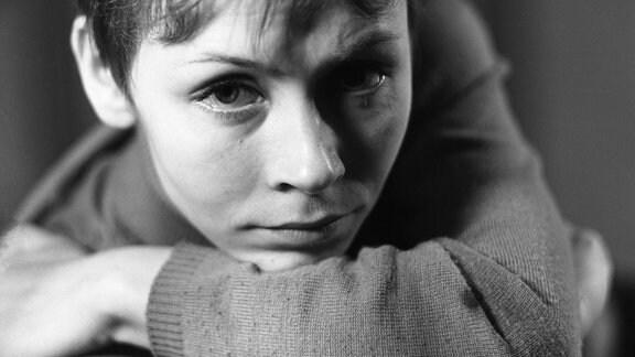Jutta Hoffmann, Blick in die Kamera. 1965