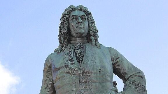 Händel-Denkmal auf dem Marktplatz von Halle