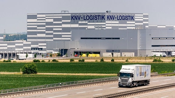 KNV, Logistikzentrum an der A71 in Erfurt
