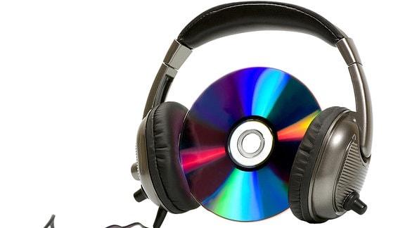 Kopfhörer und eine Musik-CD