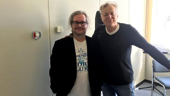 Jan Kubon und Tommy Emmanuell (r.)