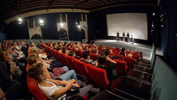 Regisseurin Anne Zohra Berrached am Sonntag zur Vorpremiere ihres preisgekrönten Films 24 Wochen im Luchskino.