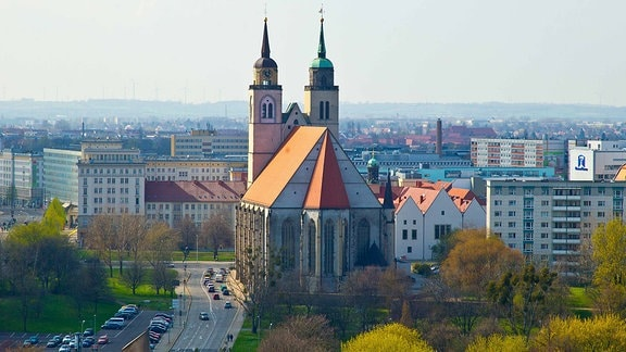 Blick auf die Johanniskirche in Magdeburg