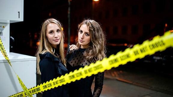 Es zeigt Laura Wohlers und Paulina Krasa von Mordlust.