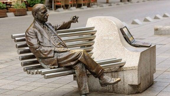Denkmal von Emmerich Kálmán in Budapest.