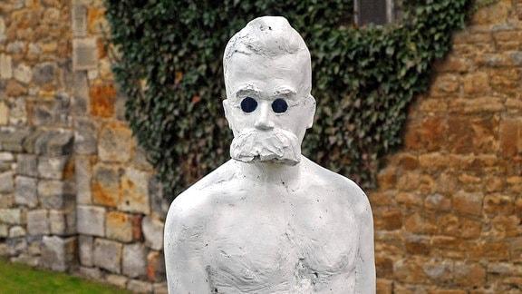 Friedrich-Nietzsche-Skulptur