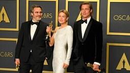 JoaquinN Phoenix, Renee Zellweger and Brad Pitt mit ihren Oscars