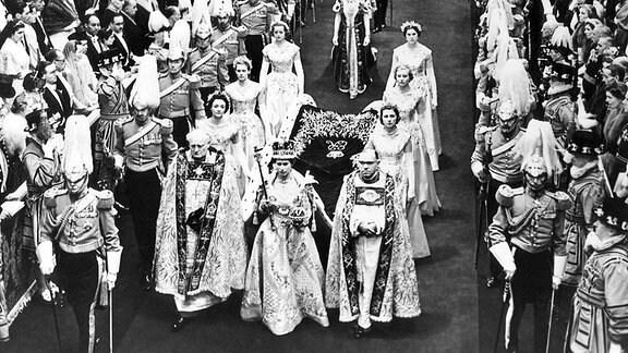 Queen Elisabeth bei ihrer Krönungszeremonie am 02.06.1953.
