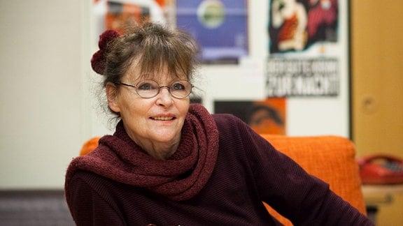 Angelica Domröse im Hörspielstudio