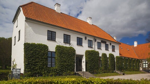 Das Karen-Blixen-Museum im ehemaligen Geburts- und Wohnhaus der dänischen Schriftstellerin Karen Blixen (1885 - 1962) in Rungsted, Dänemark