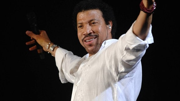 Sänger Lionel Richie (USA) während seines Konzertes in Köln