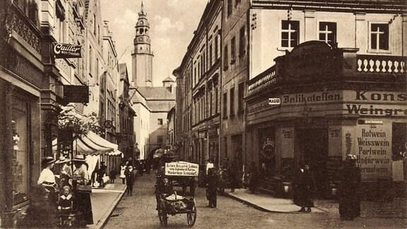Ansichtskarte zeigt Lauban in Schlesien, Blick in die Brüderstraße