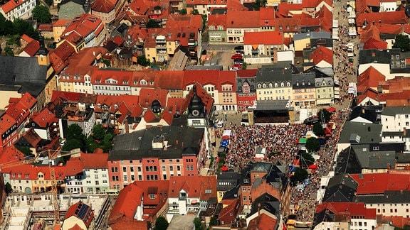 Rudolstadt - Luftbild mit Bühne auf dem Markt beim TFF 2013.